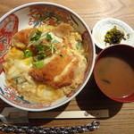 とり田 - とり田の『チキンカツとじ丼』(\950)