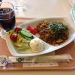 コア - 料理写真:焼きそばのランチセット@620円