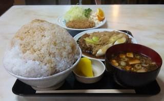 玉屋 - 2011.02 かつ丼定食¥950+大盛り¥100