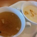 ルコネッサン - きのこのスープとじゃがいもとキャベツのスープ