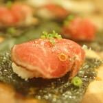 中華&日本酒バル ぼぶ - 大判たたきの巻き寿司
