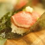 中華&日本酒バル ぼぶ - ニク寿司?
