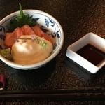 村民食堂 - 信州サーモンの山かけ 680円(税込)