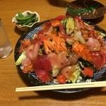 琉花 - 大きな海鮮サラダ