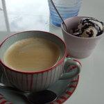エグジット カフェ - 食後の「デザート」と「コーヒー」。