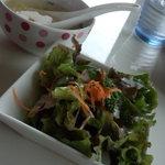 エグジット カフェ - 「チキンの焼きカレー」についてる「スープ」&「サラダ」。