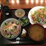 ごんわーるど - 海鮮あられ丼1,000円