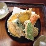 45266379 - 野菜天ぷら(4)                       カラッと揚がっている
