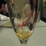 北京 - 金粉入りシャンパン