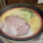 石臼玄麦自家製らーめん 丸竈 - 鶏白湯ラーメン750円