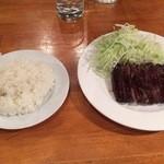 桜丘肉バル GOTTSU - 牛ハラミステーキ