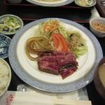 みやだい倶楽部 - ステーキ定食(1300円)