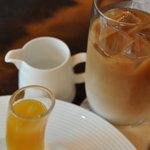 ザ・テラス - アイスカフェラテ オレンジとパッションフルーツのゼリー