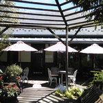 Garten Cafe ぶ楽り - 店外のテーブル席