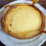 キャトル - ゴルゴンゾーラチーズケーキ(ホール)