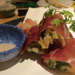 板前バル - モッツアレラチーズの天ぷら生ハムまき