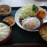 みのり食堂 - 2015/09/24 12:40訪問 ハンバーグ定食(和風おろし)