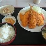 みのり食堂 - 2015/10/03 12:00訪問 ミックスフライ定食