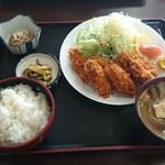 みのり食堂 - 2015/10/17 11:50訪問 カキフライ定食¥980