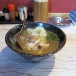 麺屋 金龍 - 塩ラーメン(750円)