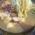 麺屋 金龍 - 塩ラーメンの麺