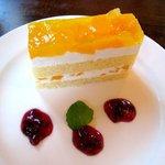 シュトゥーベン・オータマ - ('10/7)りんごともものケーキ