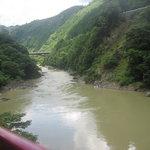 仙人掌 - 保津川は増水で濁っていました 保津川下りは増水で運休