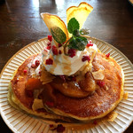 カフェ クグル - 料理写真:アップルシナモンのパンケーキ