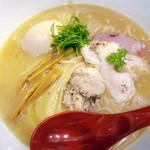 麺屋 翔 - 鳥白湯麺。意外とこってり。