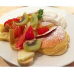 45325965 - フレッシュフルーツのパンケーキ