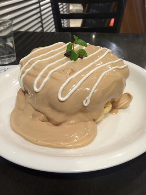 Urth Caffé 表参道 - オーガニックコーヒーパンケーキ ¥1,380