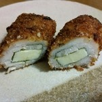ハマケイ - ささみしそチーズ断面。