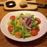 アウトバック ステーキハウス - サイドサラダ。1番さっぱりしたドレッシングは?マスタードビネガー