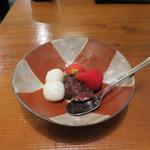 くげ庵 - 苺、白玉、つぶ餡の盛合せ