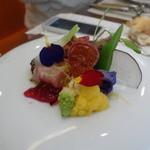 ビストロ ダイア - お隣のテーブルの料理も、あまりにも彩が綺麗だったので写真を撮らせてもらいました(^^;)