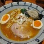 45339142 - 「魚粉生油らーめん」(750円)+「味付け玉子」(100円)