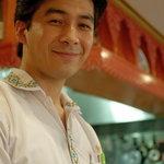 シルクロード・タリムウイグルレストラン - 男前(をとこまへ)の主人(あるじ)  【撮影許可濟み】