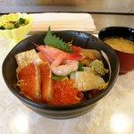 たる平鮨ダイニング - 料理写真:ミニ海鮮丼