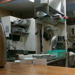 とんかつ まるや 青山店 - 厨房