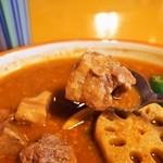 カレー魂 デストロイヤー - とり、ぶた、羊の3種肉MIXカレー!(豚角煮 梅風味)