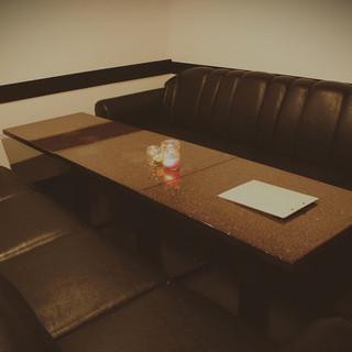 個室・ソファ席有りの落ち着いたオシャレな店内
