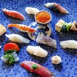 神楽坂友野 - 上からみるお寿司