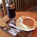 珈琲豆や とむとむ - ホットケーキとモカジャバ