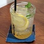 サイドディッシュ アパートメント - レモン&ミントスカッシュ(\680)