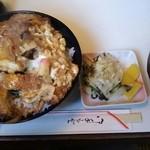 バンビ - カツ丼 大(700円)