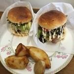 ザ・ルーモァバーガー - 「今月のバーガー」「チキンバーガー」にポテト