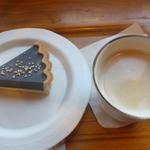 45356815 - 黒胡麻レアチーズケーキセット(有機栽培ブレンドコーヒー付き)