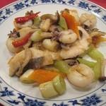 45357323 - イカと白身魚の唐辛子炒め