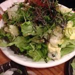 日本酒個室バル 蔵ノ助 - チョレギサラダ