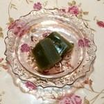 御堀堂本店 - 甘さ控え目の上品な和菓子です。